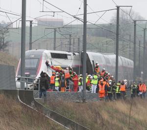 Vint-i-un ferits en descarrilar un tren d'alta velocitat a prop d'Estrasburg