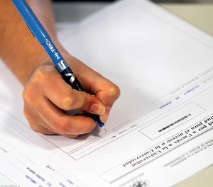 El Consell Escolar de l'Estat recomana que només s'avaluï el donat a classe