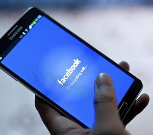 Facebook alertarà els que interactuïn amb continguts nocius sobre la Covid