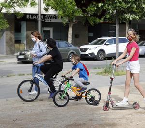 Els nens també han de respectar la distància de seguretat.