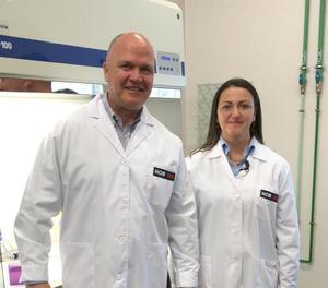 Creen un potent antimacrobià que protegeix teixits de Covid-19 durant dies