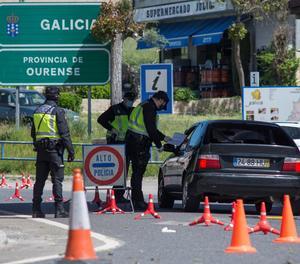 Control transfronterer de la Policia Nacional a la frontera hispanolusitana a Fes d'Abaixo (Verín).