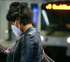 Puja l'ús del mòbil per a les notícies i augmenta el pagament per les digitals
