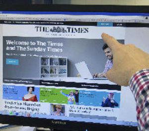 La premsa britànica qualifica d'humiliant la partida del rei Joan Carles