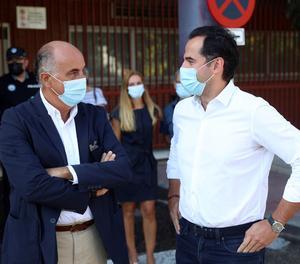 El vicepresident de la Comunitat de Madrid, Ignacio Aguado (dreta), i el viceconseller de Salut Pública i Pla Covid-19 de la Comunitat de Madrid, Antonio Zapatero.
