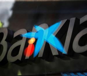 CaixaBank guanya 726 milions, un 42 % menys, per les provisions covid