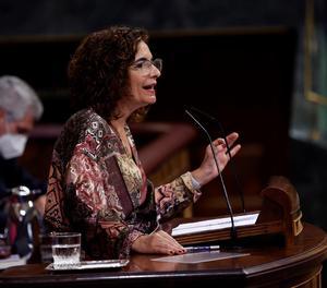 La ministra d'Hisenda, María Jesús Montero, durant la seua rèplica al Congrés aquest dijous durant la segona jornada de debat a la totalitat dels Pressupostos de 2021.