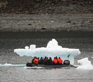 Detecten microplàstics en aigua dolça a l'Antàrtida
