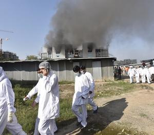 5 morts en un incendi a la fàbrica de vacunes més gran del món