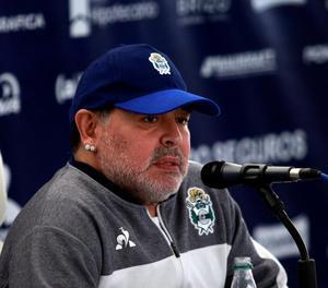 """Relat d'una jove a la que Maradona """"va salvar la vida"""" emociona filla de l'astre"""