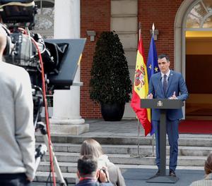 El president del Govern espanyol, Pedro Sánchez, compareix després de participar en la reunió telemàtica del Consell Europeu extraordinari.