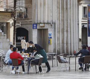 Les terrasses poden obrir les mateixes hores que l'interior de bars i restaurants, sis i mitja en total.