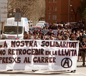 Una marxa fins la presó de Brians protesta en suport dels anarquistes presos