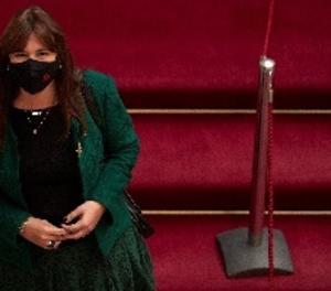La Presidenta del Parlament, Laura Borràs, als passadissos de la cambra catalana