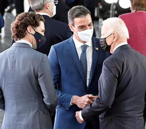 Sánchez parla breument amb Biden abans del començament de la cimera de l'OTAN