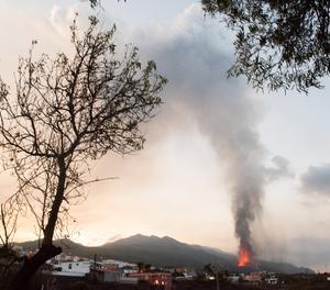 L'erupció que va començar diumenge a La Palma viu aquest dijous el seu cinquè dia d'activitat.