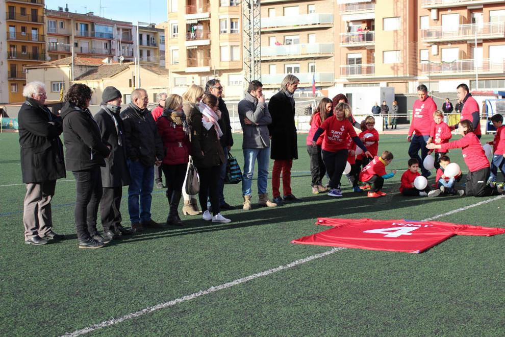 Imatges de l'homenatge del CF Balaguer a Yerai Darias.