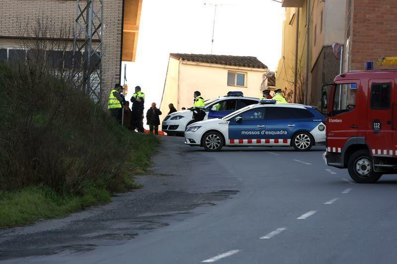 Serveis Du0027emergència Al Lloc On Un Cotxe Ha Atropellat Mortalment Un Nen ...