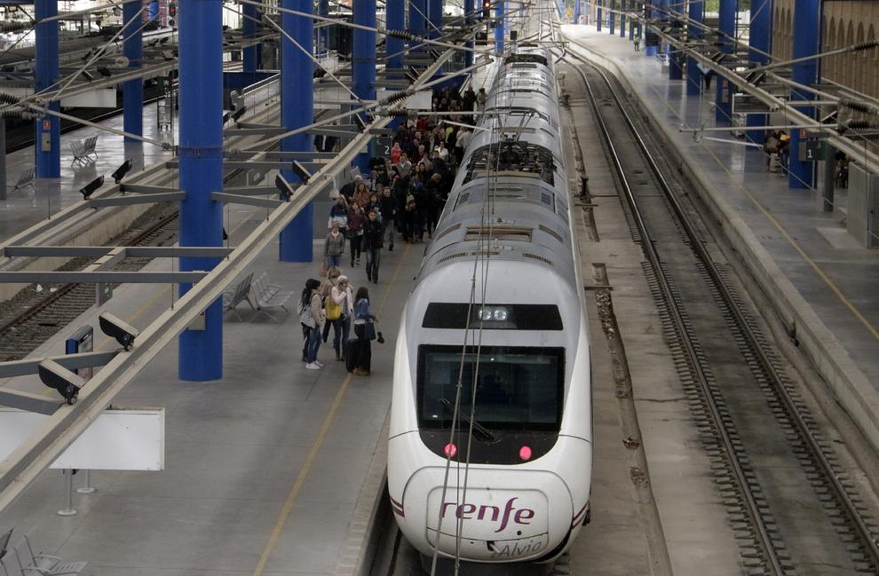 El Ave Lleida Barcelona Llega A Los 4 7 Millones De Usuarios