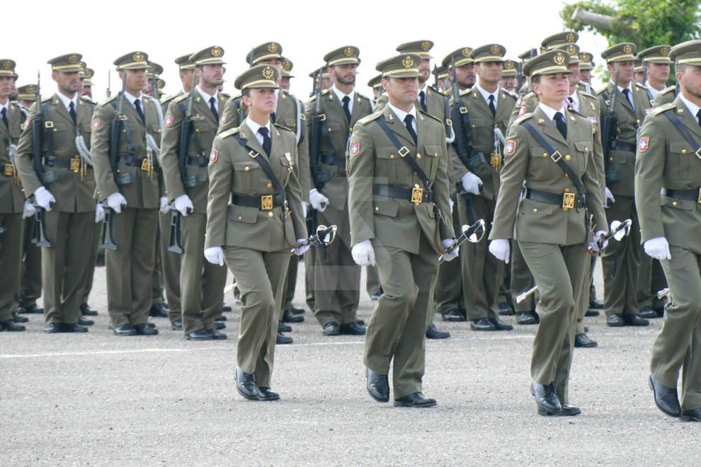 A 483 nous sergents, en una cerimònia celebrada a menys de tres mesos de l'1-O