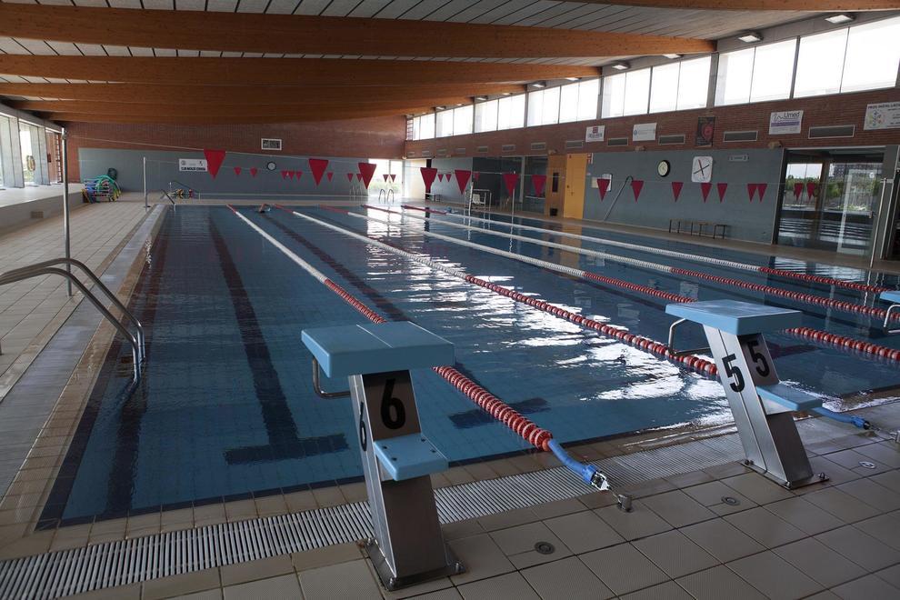 Un monitor de la piscina de cervera fallece mientras nadaba for Piscina cervera