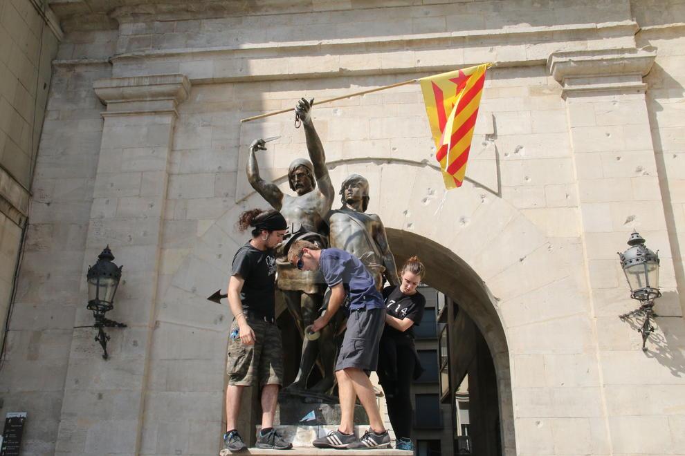 Un miler dalumnes surten al carrer a Lleida en suport al referèndum
