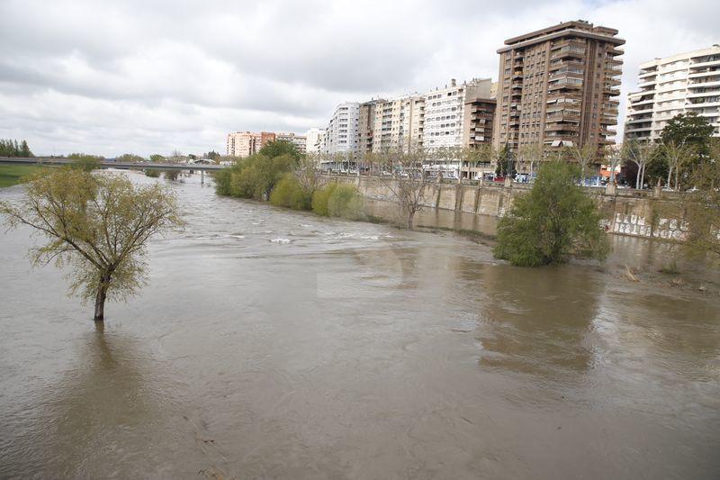 Tallen l'accés a la canalització del Segre a Lleida i Balaguer