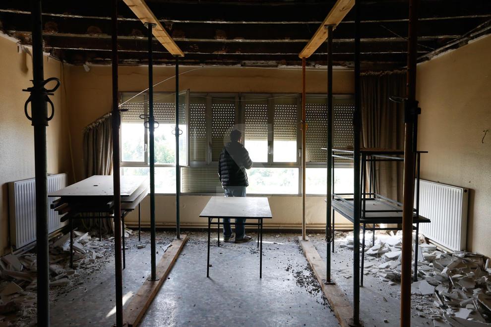 Un lleidatà sense habitatge ni feina s'ha instal·lat des de fa unes setmanes de manera precària a l'antic hotel Ilerda