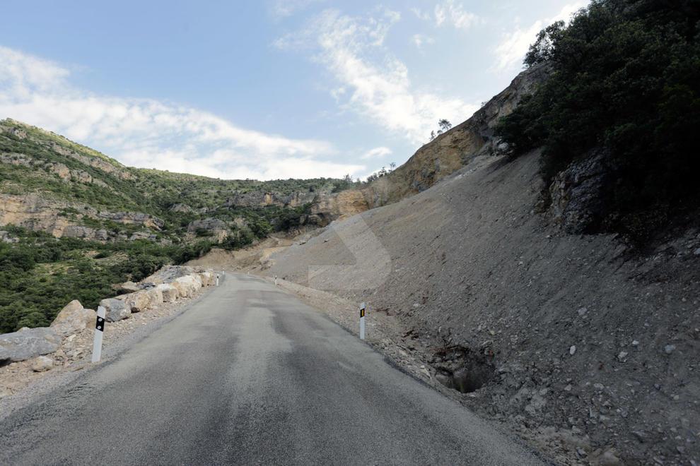 Imatges de la reobertura de la carretera de Castell de Mur