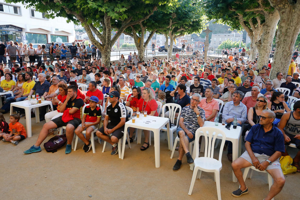 Unes 600 persones van veure la semifinal del Mundial entre França i Bèlgica a la pantalla gegant de Balaguer