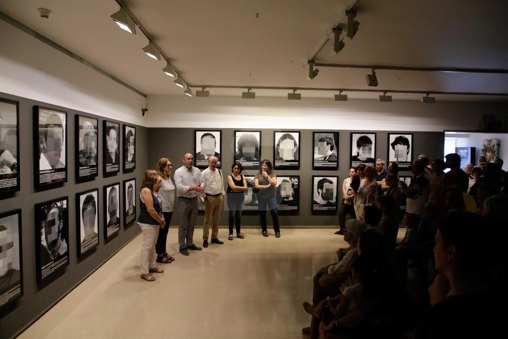 Imatges de la inauguració de l'exposició 'Presos polítics en l'Espanya contemporània' al Museu Comarcal de la Noguera de Balaguer