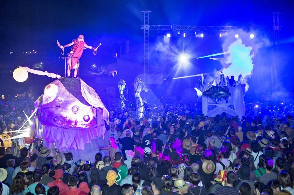 La popular fiesta de las brujas de Cervera congregó a más de 25.000 visitantes