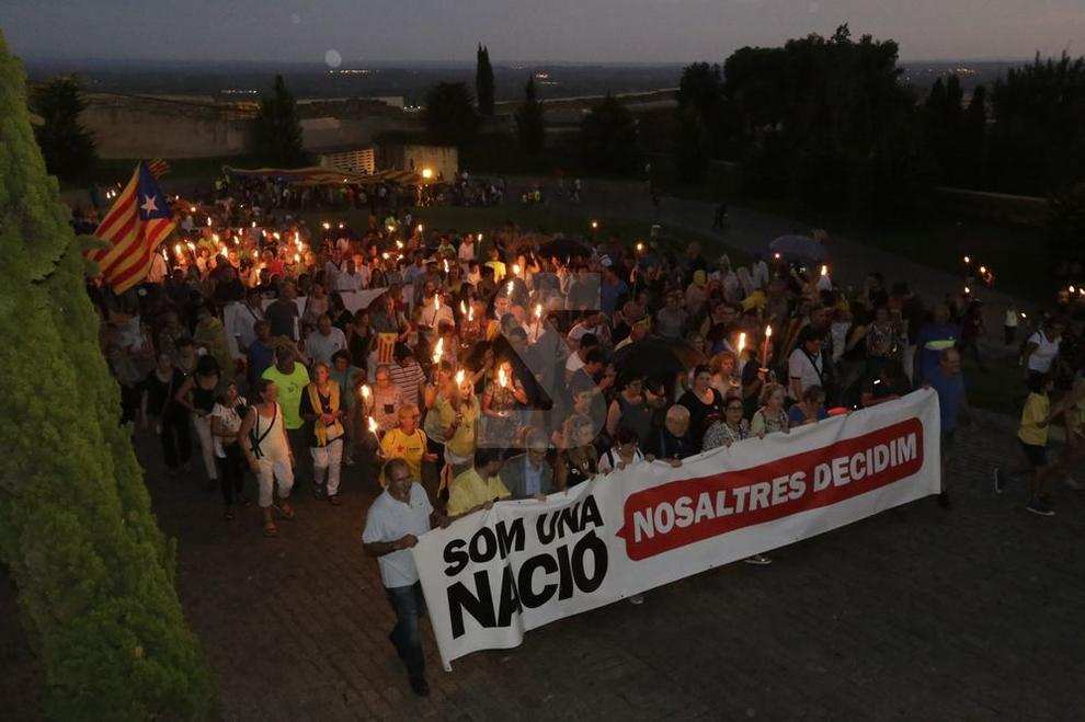 Desde el convento del Roser hasta la Seu Vella, con más de un millar de personas, en el que se ha convertido e uno de los actos más multitudinarios previos a la Diada en la ciudad.