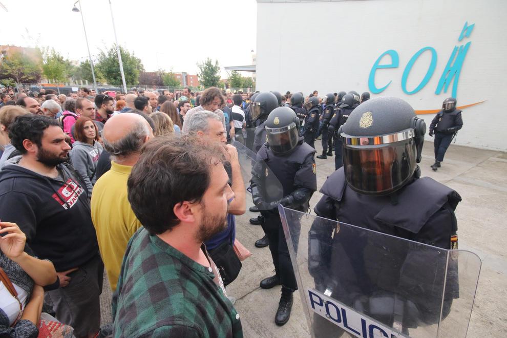 Càrregues policials a l'EOI de Lleida