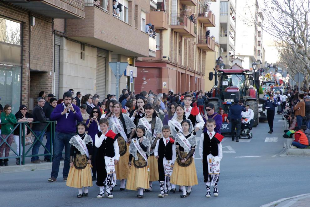 La localitat del Segrià commemora l'arribada de l'aigua a través del canal d'Aragó i Catalunya amb una desfilada de 29 carrosses i comparses