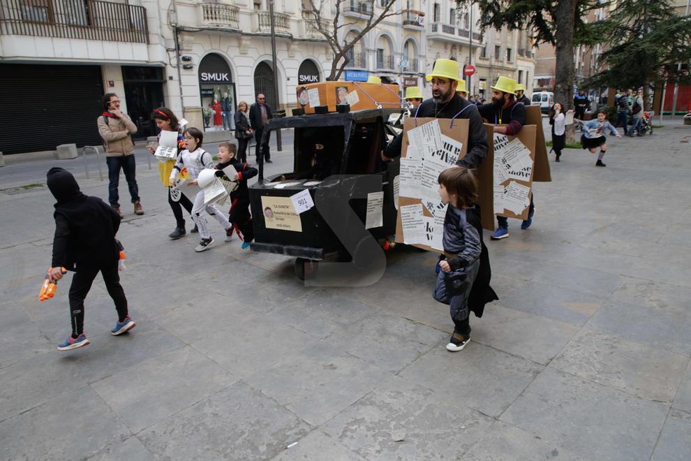Imatges de la tradicional Cursa dels Llits de Lleida