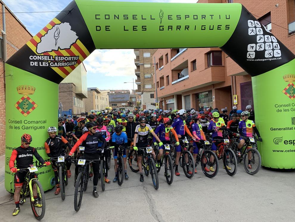 Imatges de la 10a edició de la cursa de BTT Terrall-Garrigues organitzada pel Club Ciclista Ateneu Garriguenc.