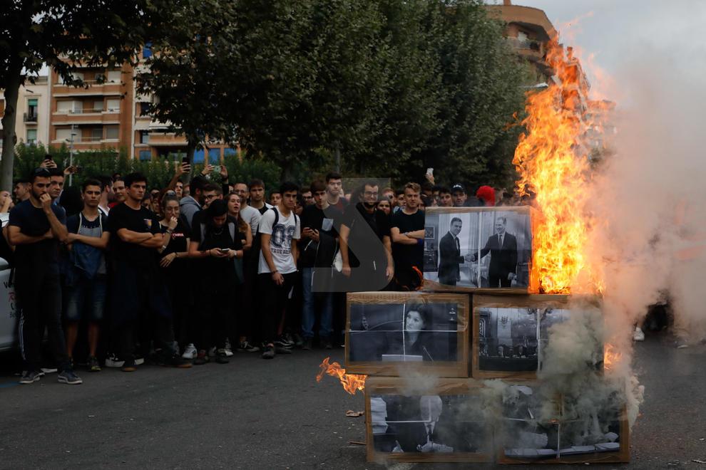 Imatges de les manifestacions a la ciutat de Lleida contra la sentència del Procés