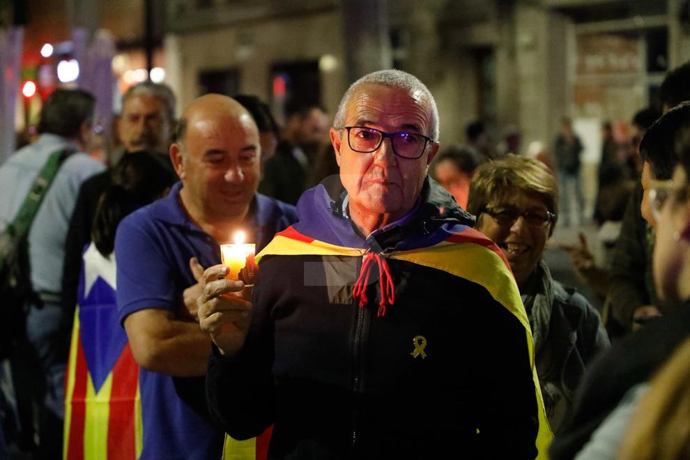 Davant de la Subdelegació del Govern espanyol a Lleida