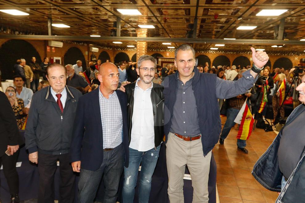 Acte de Vox a Lleida amb Javier Ortega Smith i talls d'uns 400 antifeixistes a l'N-240