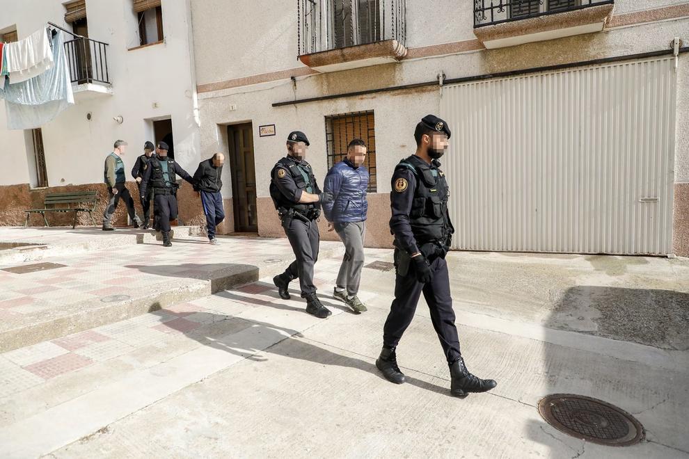 Escorcolls de la Guàrdia Civil a la capital del Segrià, Almacelles, Castellnou de Seana i Bellpuig. EN ACTUALITZACIÓ