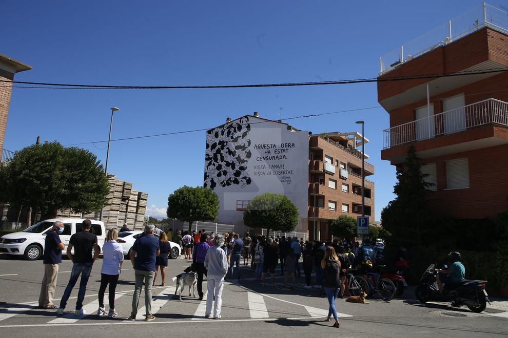 L'artista Cristina Dejuan lamenta que no hagi pogut acabar el seu treball pel veto de veïns del bloc en què pintava la seua obra