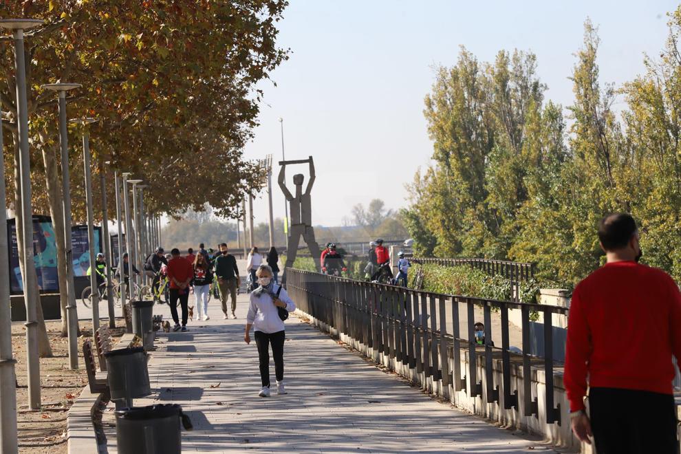 La canalització i la Mitjana de Lleida s'omplen de passejants