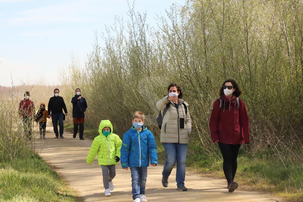 Decenas de familias participaron el domingo en las actividades organizadas en este espacio natural
