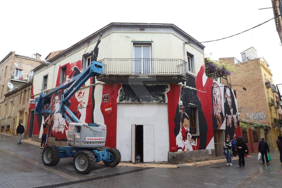 Primer festival a Lleida ciutat en què cinc artistes 'decoren' amb murals carrers del Centre Històric